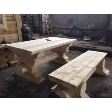 Стол и две скамейки из оцилиндрованного бревна